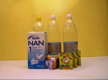 Väikelaste toiduks on soovitatav varuda näiteks jätkupiimapulbrit.